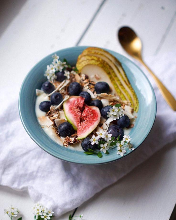 Healthy beautiful breakfasts