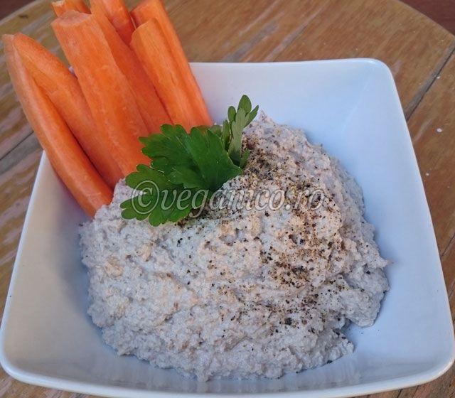 Pate Raw-Vegan de Nuci - http://veganico.ro/pate-raw-vegan-de-nuci/