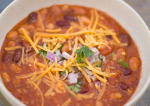 Super-bowl Chili ... An easy, healthy, and best of all yummy chili that cooks in the crock pot!