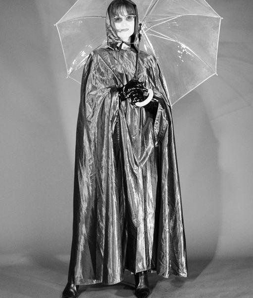 Mit Cape und Schirm geschützt   Anziehsachen 3   Rain cape ...