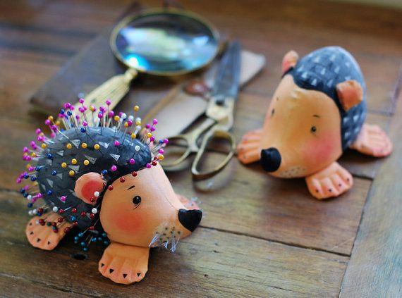 pincushion, hedgehog, pin cushion, to store pins
