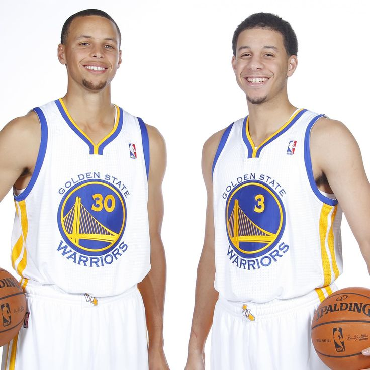 At one time the Curry brothers where on the same team, the Golden State Warriors!