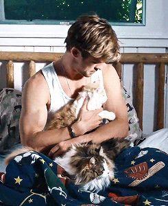 "mcavoys: ""  Behind the scenes of Chris Hemsworth's Vanity Fair cover shoot """