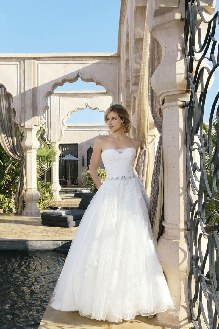 34 best Hochzeitskleider images on Pinterest | Wedding frocks ...