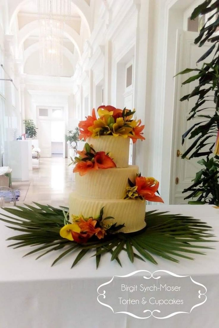 Exotic Buttercream Cake, Wedding Cake with fresh flowers - Birgit Syrch-Moser - Google+