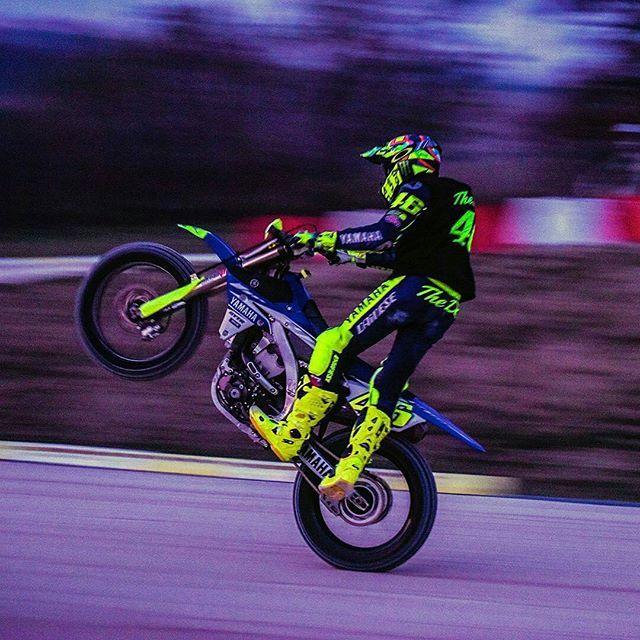"""👍👏👏👏🔝🔝 🆒 Man"" @Regrann from @valeyellow46 -  Wheeling at the MotoRanch 📸 @camilss #nacnac - #regrann  #valeyellow46 #vr46 #forzavale #thedoctor #rossifumi #popologiallo #iostoconvale"