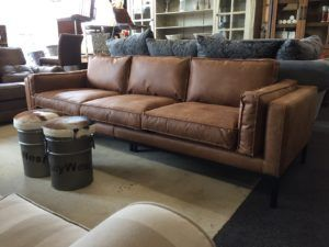 Moderne loungebank Silvana in eco leder vlekwerend cognac of stof