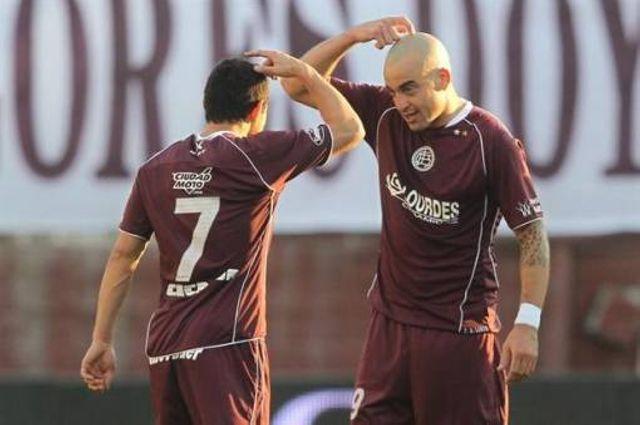 Jugadores del #Lanús descargaron su furia en el #Pascual