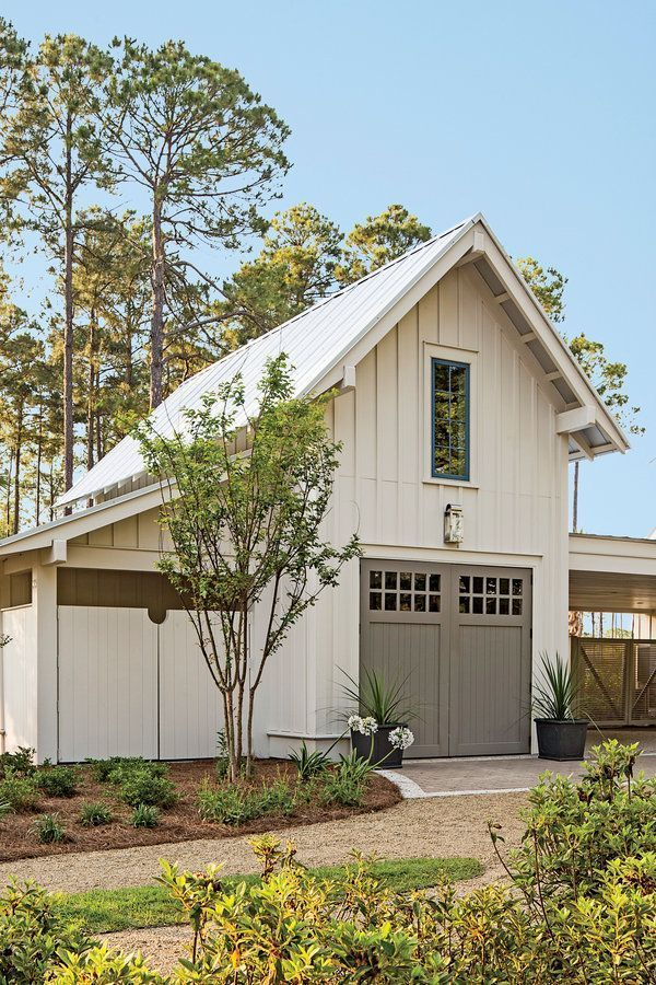 Find More Ideas Farmhouse Detached Garage With Apartment Small Detached Garage Makeover Pla Modern Farmhouse Exterior Farmhouse Exterior Exterior House Colors