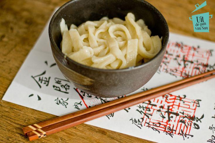 Zelf udon noedels maken - Uit de pan van San