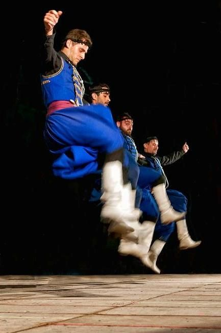 cretan dancers.. Perform pentozali.
