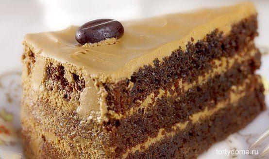 """Торт""""Кофе с молоком""""  Бисквит получается уникальным, с очень богатой влажной текстурой. Такой торт даже не нужно пропитывать сиропом, он и без этого достаточно сочный.  Ингредиенты: мука 1.75 стакана сахар 2 стакана Какао-порошок 0.75 стакана сода (без горки) 2 чайные ложки Разрыхлитель(без горки) 1 чайная ложка соль 1 чайная ложка Молоко 1 стакан лимонный сок 3 столовых ложки растительное масло 0.5 стакана яйца 2 штуки горячего крепкого кофе 1 стакан.  Для крема и украшения: 5 яичных…"""