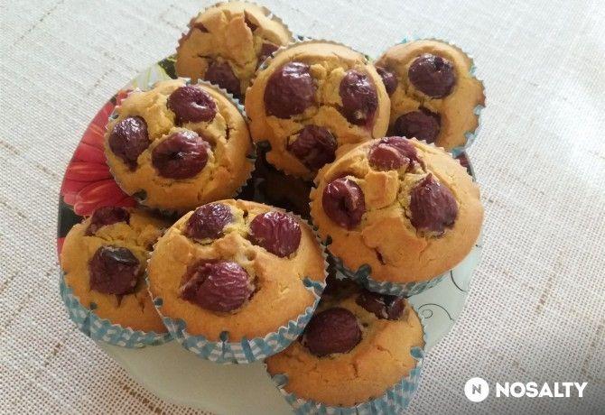 Tej- és gluténmentes meggyes muffin