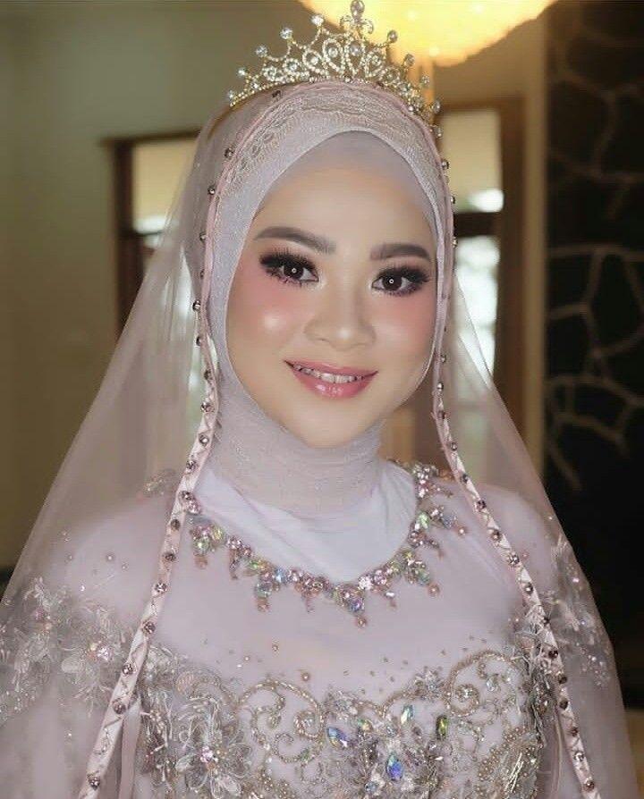 Wedding Makeup Hijab Wedding Makeup Weddingmakeup In 2020 Muslim Wedding Dresses Muslimah Wedding Muslim Wedding