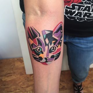 This colorful cutie. | 26 Totally Purrr-Fect Cat Tattoos