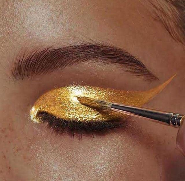 Melted gold eyeshadow.