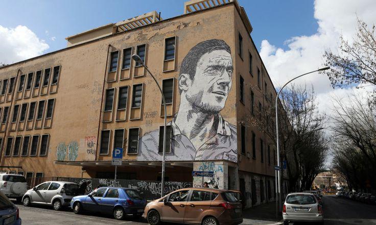 Amazing Totti drawing! #AsRoma
