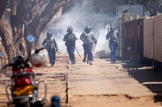 Latest News Update on Zimbabwe, Harare demonstrations today - Zim News - http://zimbabwe-consolidated-news.com/2016/11/18/latest-news-update-on-zimbabwe-harare-demonstrations-today-zim-news/