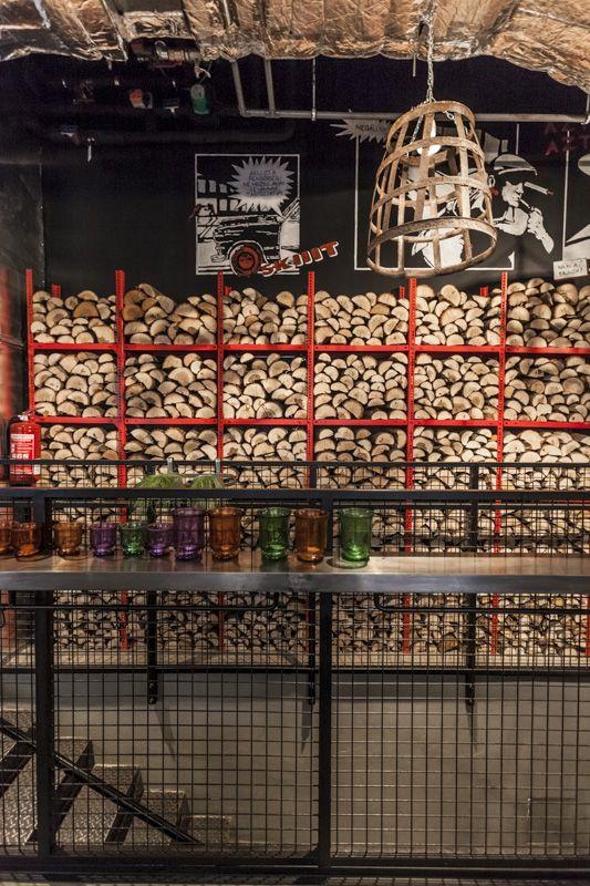 Spíler http://spilerbp.hu/index_hu_sh.php | Belső tér #budapest #design #bar #spíler #restaurantdesign #IndoorFurniture #RestaurantFurniture #bistro #pub
