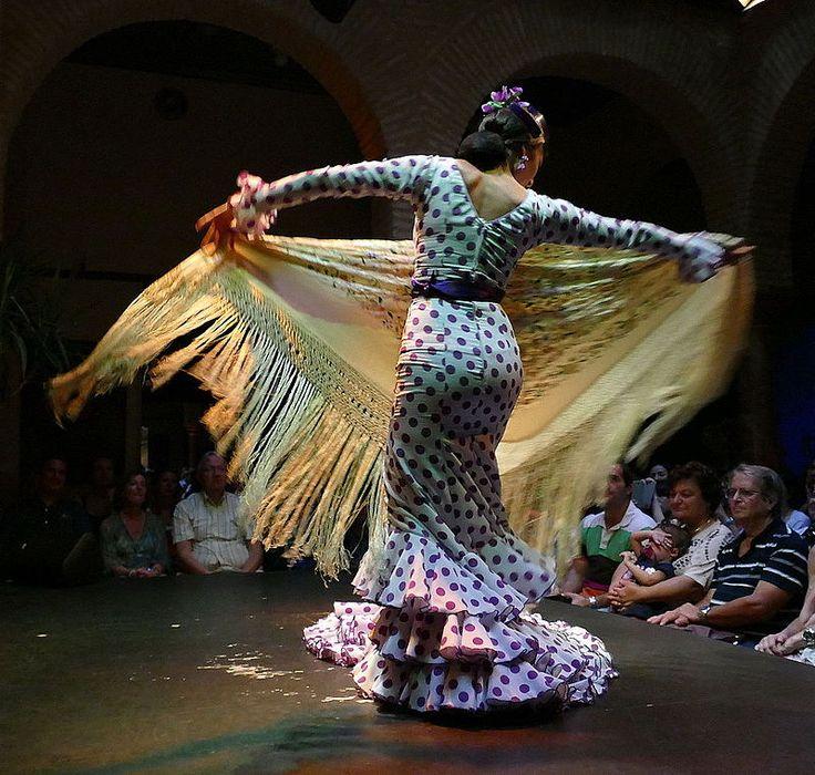 Dancer in the Museo del baile flamenco in Sevilla 2014