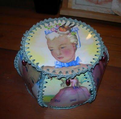 Yes!  A hanky box like the one my Nanna made.