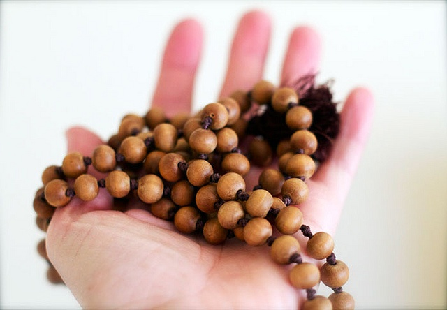 94 best images about prayer beads on pinterest buddhists for Mala india magasin waterloo