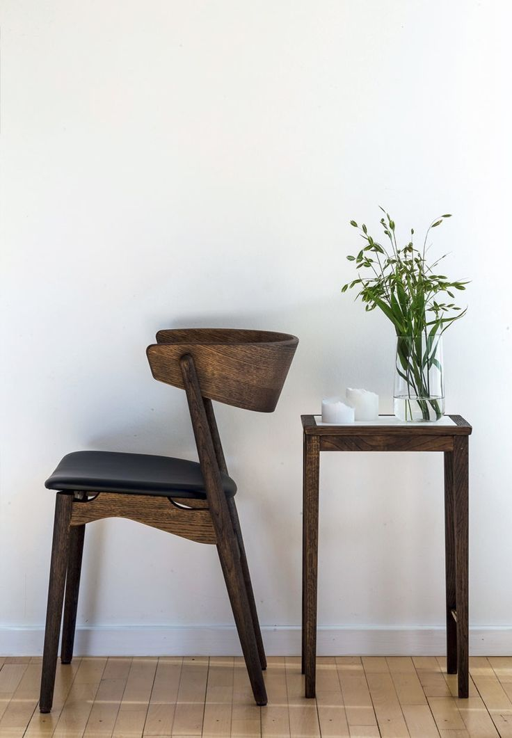 Sibast No 7 Chair in smoked oak by Helge Sibast.