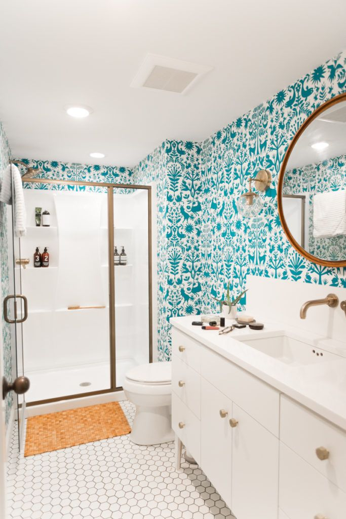 25 best ideas about bright bathrooms on pinterest green for Bright bathroom wallpaper