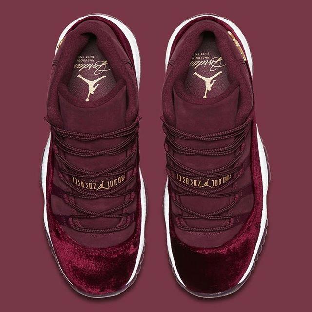 """Air Jordan 11 GG """"Red Velvet"""" Forse qualcosa mai visto prima, ma la tomaia in velluto rosso e dettagli in oro rendono questa sneakers una delle più esclusive. Disponibile da domani in store @ujxlondonvomero  #ujxlondonvomero #airjordan #jordan11 #redvelvet #redvelvet11s #heiress #veleur #velvet #sneakers #available #from #tomorrow #instore"""