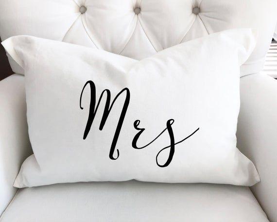 Mr Und Mrs Kissenset Kissenhulle Hochzeitsgeschenk Mr Und Mrs