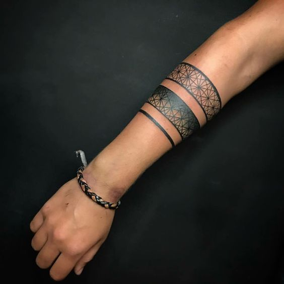 24 idées de manchettes de tatouage pour les femmes   – ALLES