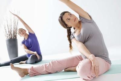 A few simple pregnancy exercises to ease Round Ligament Pain