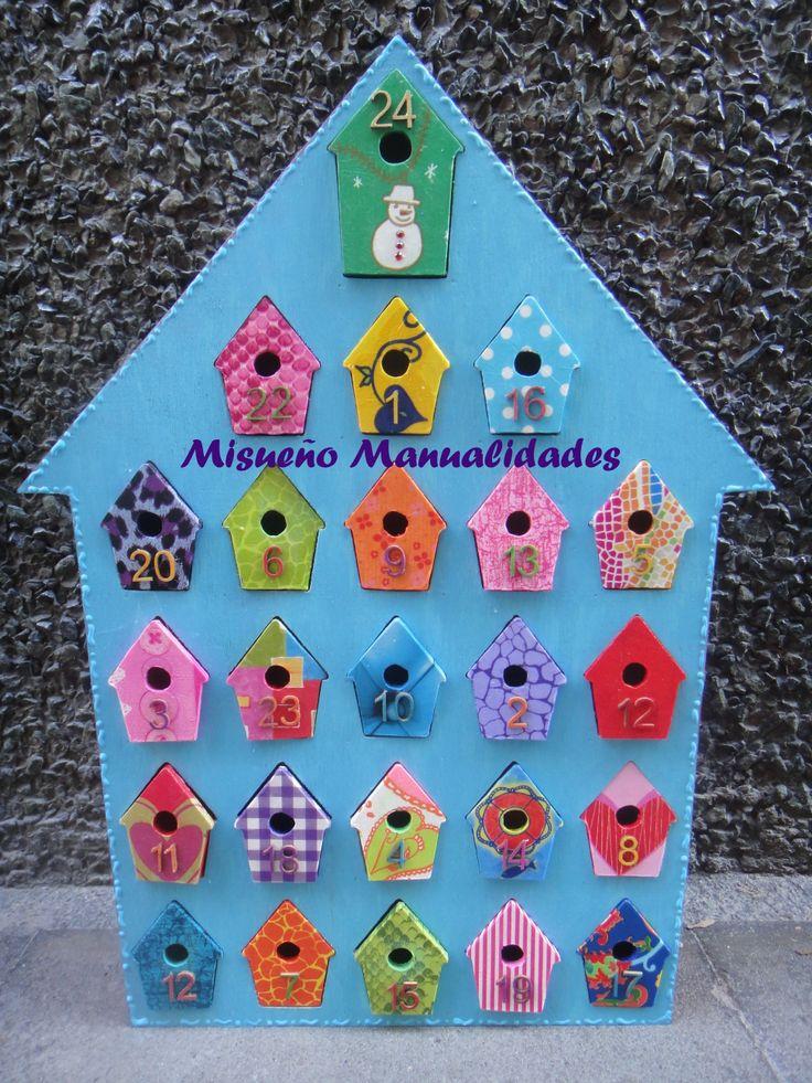 Calendario de adviento de madera (de Artemio) , un encargo en los colores de Agatha Ruiz de la Prada.  www.misuenyo.com / www.misuenyo.es