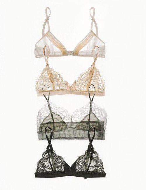 so prettY ... undergarmentz ... love what we wear UNder our clothez ... (✯