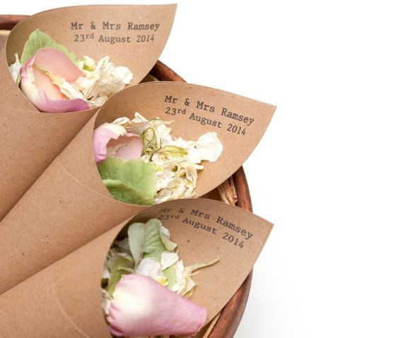 Mr & Mrs Confetti cones Pack of 5 by Confetticonecompay on Etsy