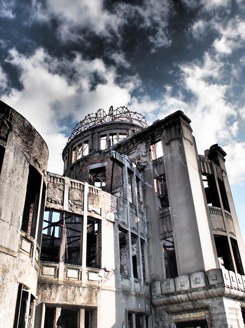 Hiroshima Peace Memorial Dome (the World Heritage), Japan 原爆ドーム   平和への祈りを新たに、合掌。 2015/8/6