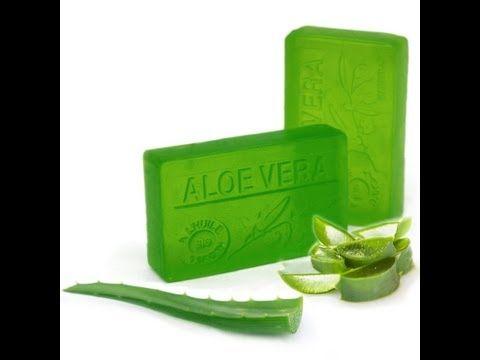 En este video podeís aprender de una manera fácil y sencilla como hacer jabón de aloe vera en casa. Para ello hemos utilizado aceite reciclado de oliva virge...