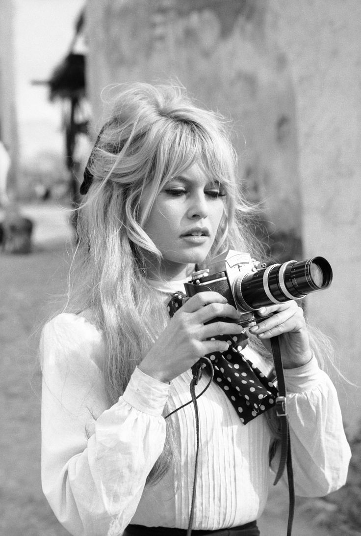 Brigitte Bardot Hair Tutorial - YouTube