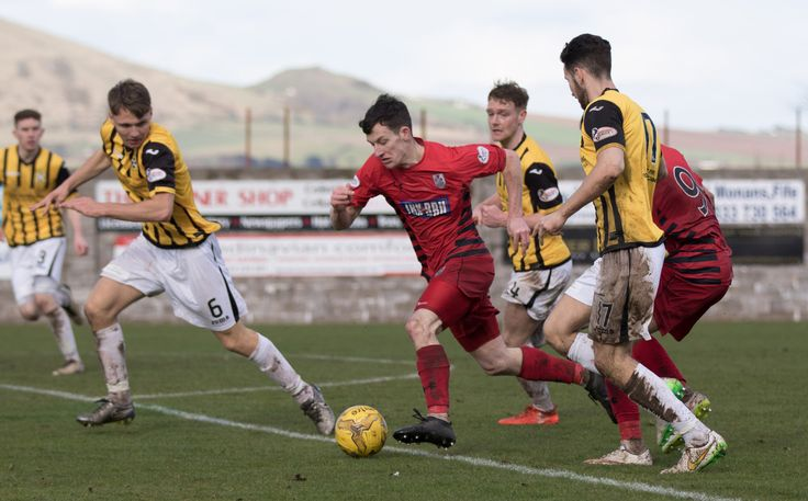 Queen's Park's David Galt in action during the Ladbrokes League One game between East Fife and Queen's Park.