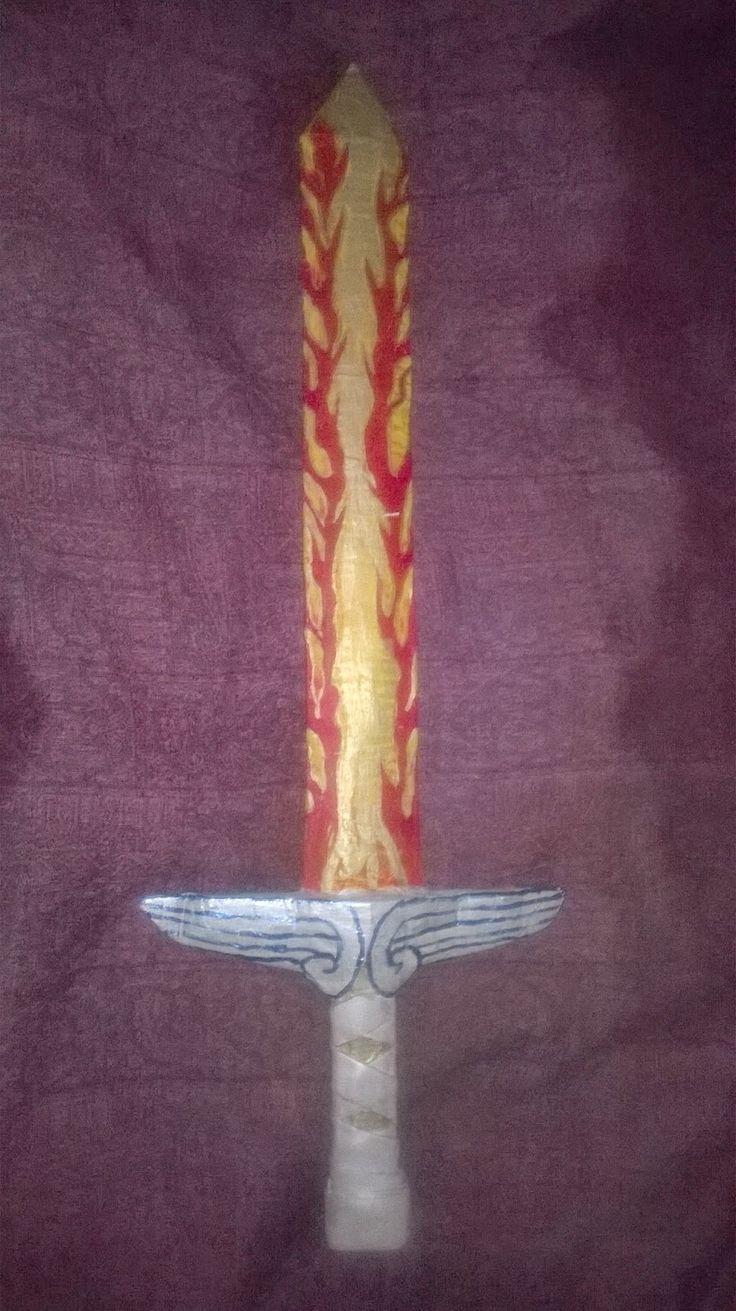 """Artesanías  """"Helios"""": Espadas de fuego"""