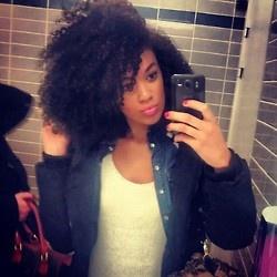 NiaEvangeline: Curl Crushing!!