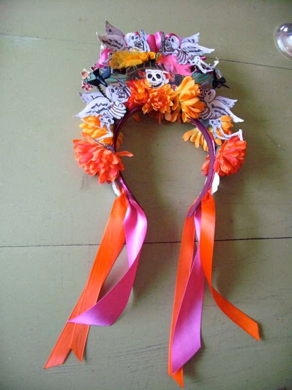 Day of the Dead Headband crown. Reminds me of something a Southwest parade princess would wear. I totally wanna make one!! How cute!! Bright bright colors... #Cricut