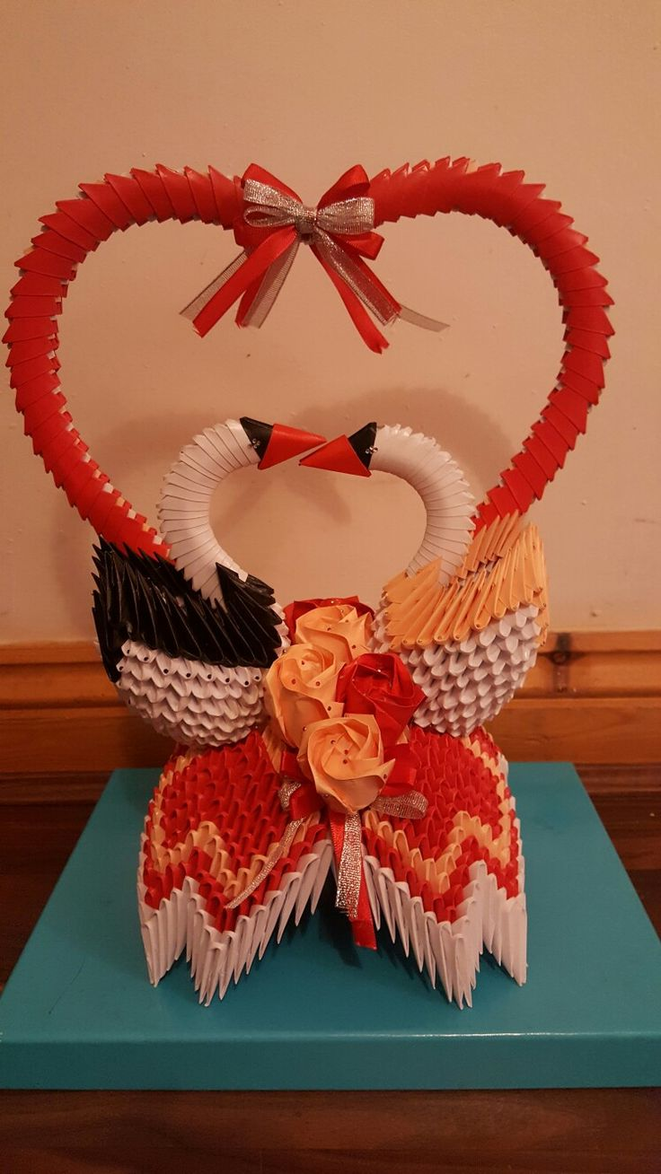 3D origami Love hearts with two swans