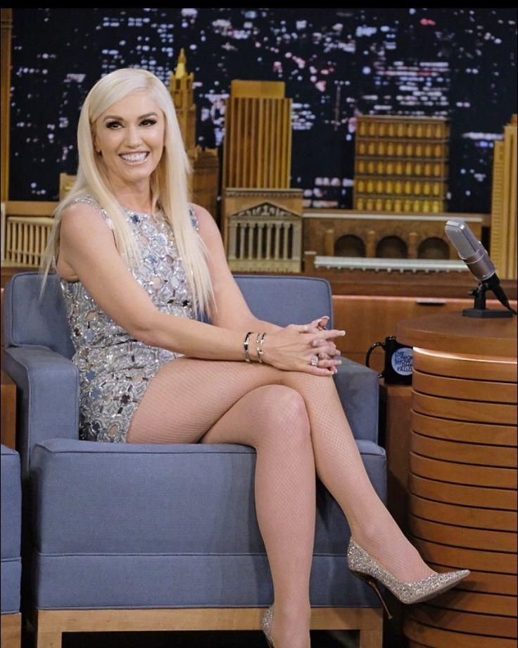 Damn that BODY looks perfect!!! Flawless/ageless beautiful Gwen Stefani