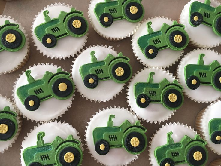 Tractor cupcakes