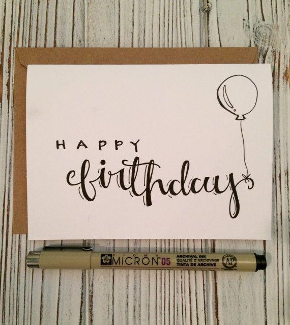 Deze aanbieding is voor een set van 5 kaarten van de Happy Birthday met 5 kraft enveloppen.  Dit is een eenvoudige maar leuke design en is ideaal voor het versturen van voor anyones verjaardag! Past zowel geslacht en elke leeftijd!  Elke kaart is hand geletterden en 4 in x 5,5 inch (10.1 cm x 13.9 cm) De binnenkant van de kaarten zijn leeg voor elke persoonlijke gevoelens. Elke kaart is individueel letters zo laat 3 tot 4 dagen na de aankoop van het product worden verzonden.  P.S. Vergeet…