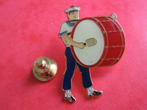 Pins-EGF-musique-militaire-LANN-BIHOUE-Marine-Nationale-BREST-signe-JY-SEGALEN