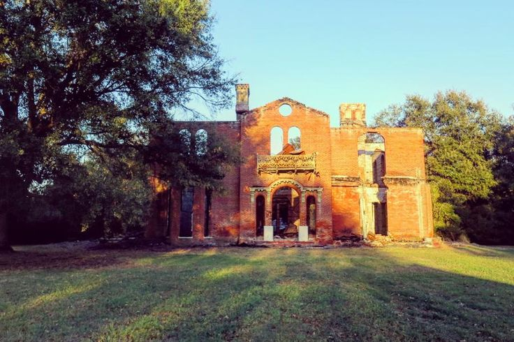 Ruins of Mount Holly - Five Hidden Treasures in the Mississippi Delta - Southernliving. Foote, Mississippi  Although it was the object of our mission's final goal, we drove right past the remains of Mount Holly. After some redirecting by the locals sitting in Roy's Store, we found the once-grand mansion, which belonged to the family of novelist and Civil War historian Shelby Foote, set back from the road behind a mint-colored shed. The home sat abandoned for a few years after it was turned…