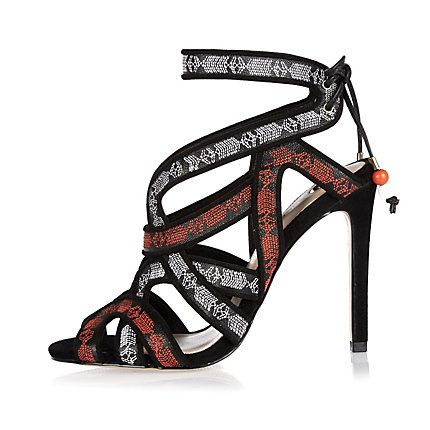 Black leather embroidered caged heels € 90,00