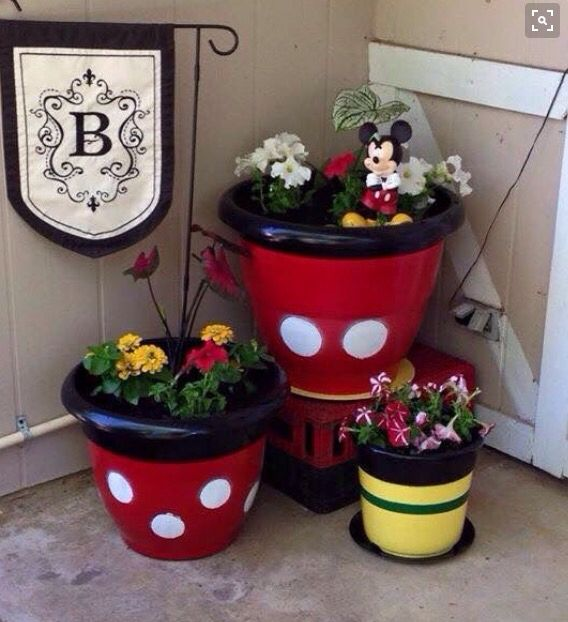 Mickey Mouse, Disney outdoor decor
